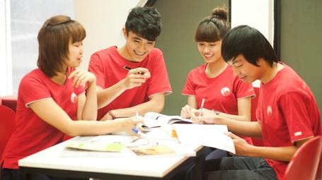 Sinh viên British University Vietnam (BUV).