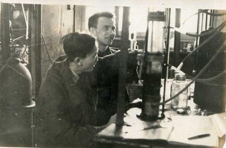 Giáo sư Anatoly Afanasievich Medvedev