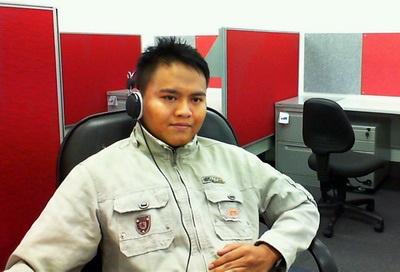 Nguyễn Tiến Vũ trong phòng nghiên cứu.