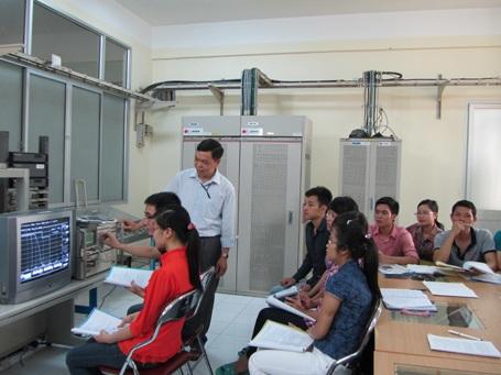 Sinh viên Học viện Công nghệ Bưu chính Viễn thông