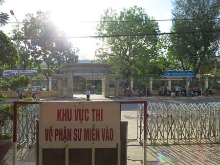 Tại điểm trường THPT Phan Châu Trinh (Q. Hải Châu, Đà Nẵng). (Ảnh: Khánh Hiền)