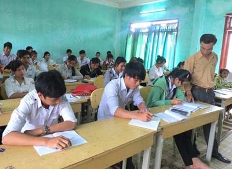 Học sinh tích cực ôn luyện và sẵn sàng bước vào kỳ thi sau 12 năm đèn sách. (Ảnh: Hồng Long)