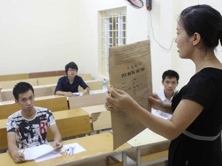 Thí sinh dự thi tại trường Cao đẳng Đối ngoại, TPHCM. (Ảnh: Phương Vy/TTXVN)