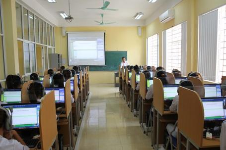 Giờ học tiếng Anh của sinh viên Trường CĐ Cộng đồng Hà Tây