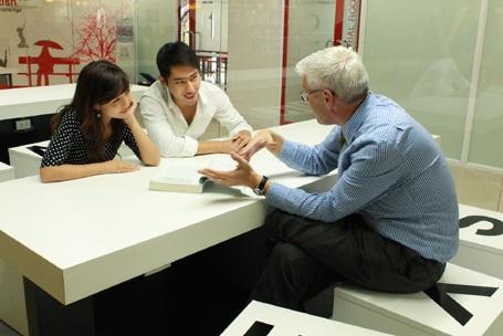 Giảng viên và sinh viên Đại học Anh Quốc VN - British University Vietnam (BUV)