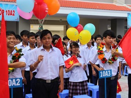 Lễ khai giảng tại trường THPT Nguyễn Hữu Thọ sáng 31/8.