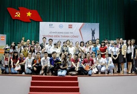 Triển khai cuộc thi tại trường Đại học Kinh tế Quốc dân (Hà Nội).
