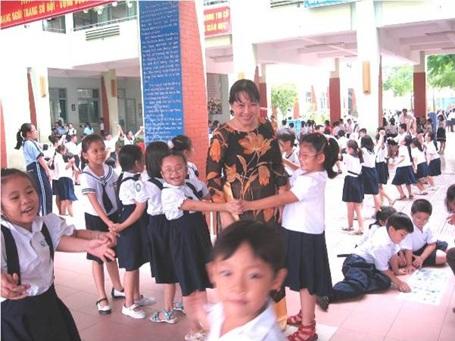 Thầy cô có kiến thức về tâm lý học, gần gũi giúp học sinh tự tin thổ lộ với mình hơn.