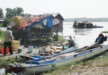 Một góc xóm Việt kiều ở ấp Cây Khế, xã Tân Hòa.