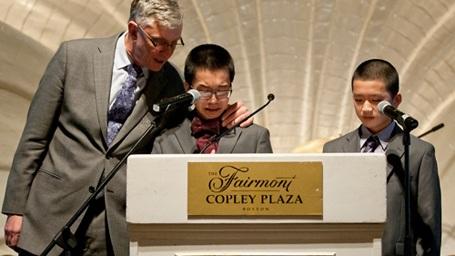 Hai anh em Johnny Huynh (trái) và George Huynh (phải).