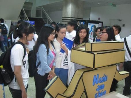 Sinh viên đừng biến mình thành robot sao chép....