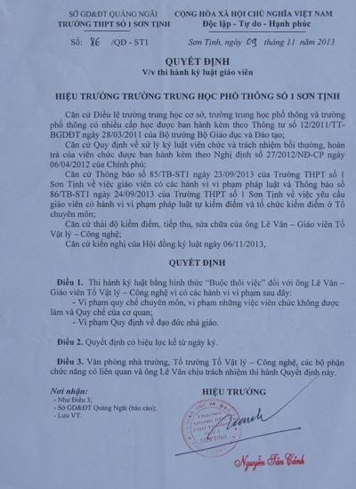 Quyết định buộc thôi việc giáo viên Lê Vân do hiệu trưởng Nguyễn Tấn Cảnh ký.