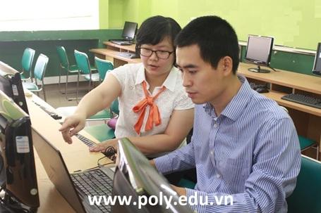 Ths.Vũ Chí Thành - Giám đốc FPT Polytechnic Hà Nội tư vấn cho độc giả Dân trí.