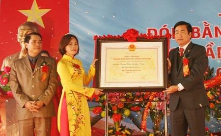 Lễ đón nhận danh hiệu trường chuẩn quốc gia tại Trường mầm non Liên Trung