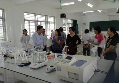Phòng thí nghiệm khoa Dược Trường Đại học Thành Tây