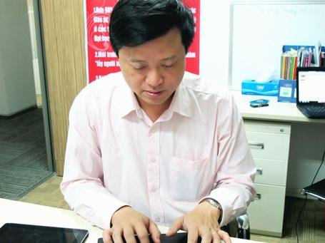 TS Tâm lý Phạm Mạnh Hà tham gia buổi tư vấn tuyển sinh