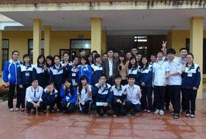 Câu lạc bộ Gia sư Thủ khoa đến tư vấn tại Trường THPT Đồ Sơn (Hải Phòng)