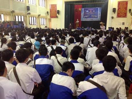 Buổi tư vấn tại trường THPT Hàn Thuyên (Bắc Ninh)