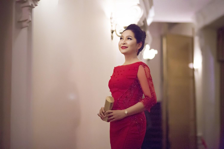 Với sự thay đổi này, Quỳnh Hương đã nhận được hàng ngàn lượt yêu thích trên trang mạng xã hội.