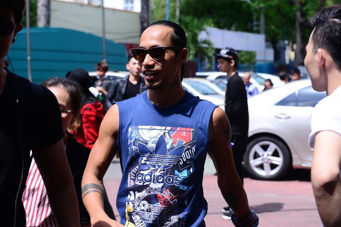 Phạm Anh Khoa xuất hiện với trang phục khỏe khoắn, năng động