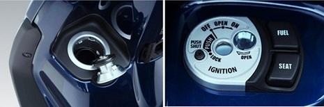 Thiết kế vị trí bình xăng và nút bấm mở khóa bình xăng rất tiện lợi trên Yamaha Grande.