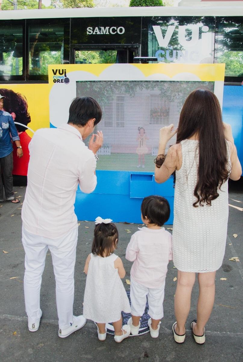 Còn gia đình của Lý Hải – Minh Hà thì nào ta cùng thi nhảy
