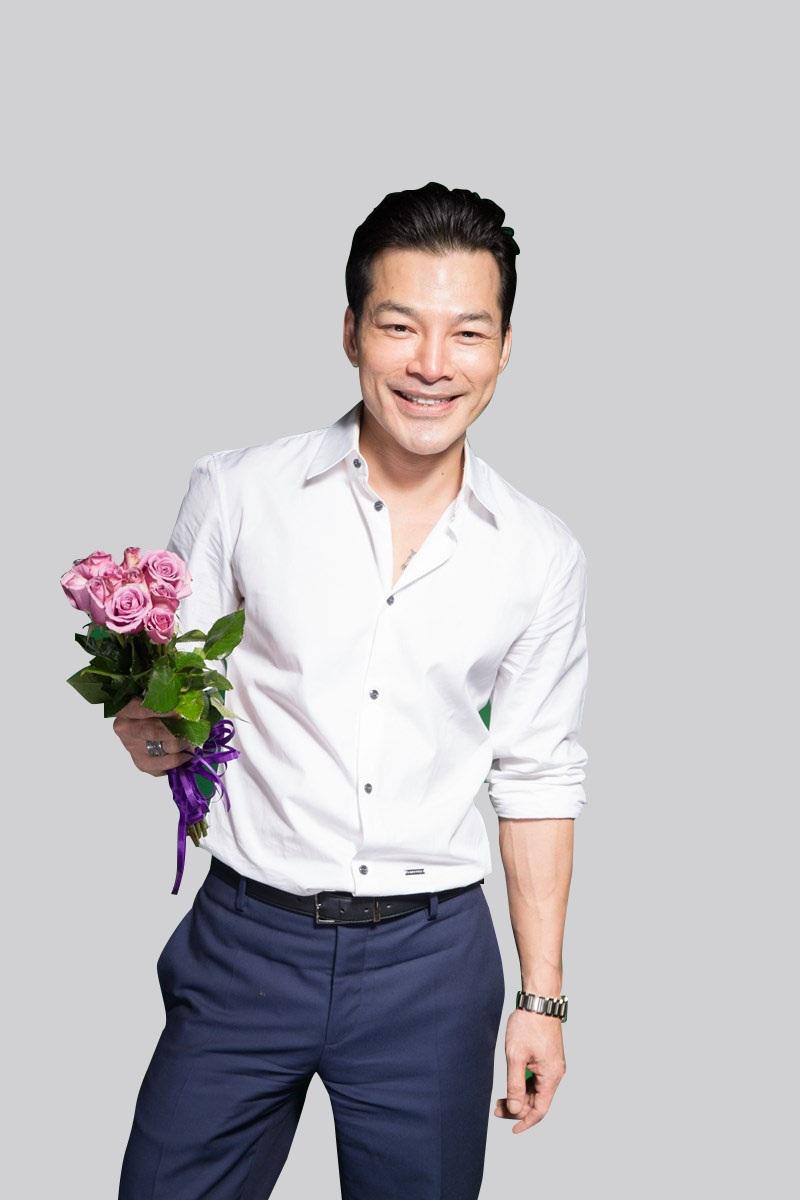 """Trần Bảo Sơn và ê-kíp phim """"Quyên"""" mang """"một triệu nụ cười"""" đến phụ nữ Việt"""