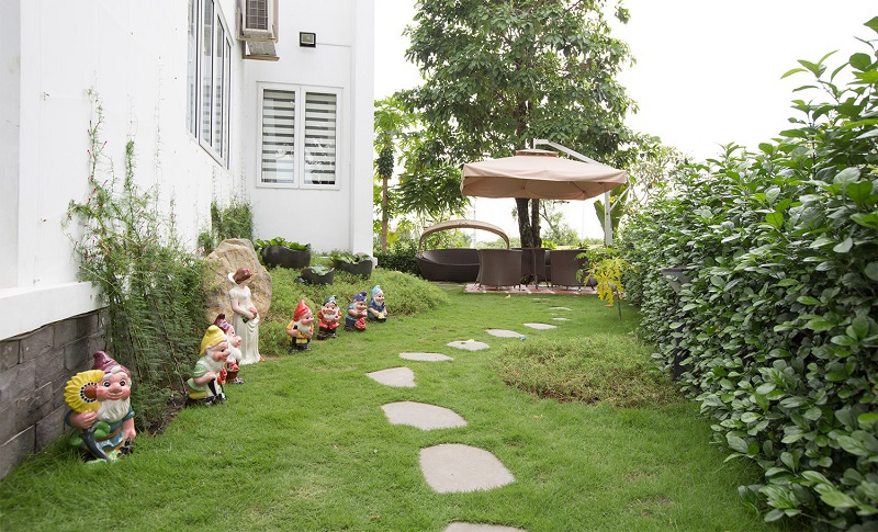 Một góc sân vườn tại khu biệt thự Villa Park