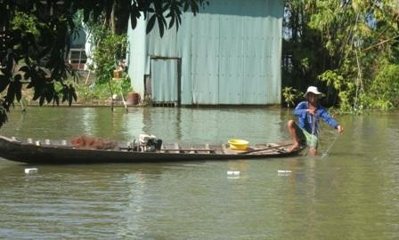 Nguồn lợi thủy sản cạn kiệt khi bị con người khai thác quá mức mà không tái tạo