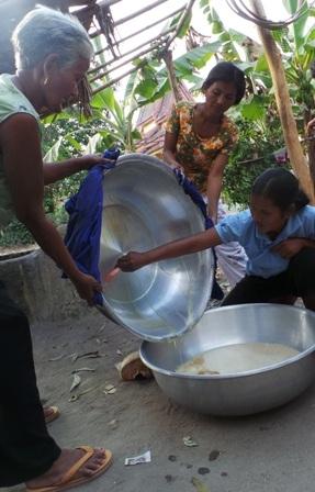 Nước thốt nốt mang về là nấy ngay vì để lâu nước thốt nốt sẽ bị chua