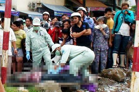 Phát hiện xác người đàn ông chết nổi dưới chân cầu - 2