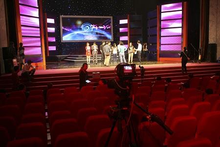 Hệ thống máy quay được bố trí để bắt được hình ảnh toàn hội trường.