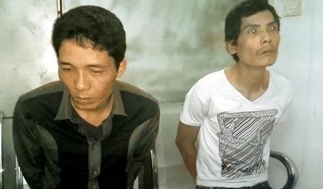 Hai đối tượng Long và Sơn bị cảnh sát bắt giữ.