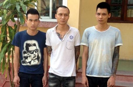Ba đối tượng bị cơ quan công an tạm giữ.
