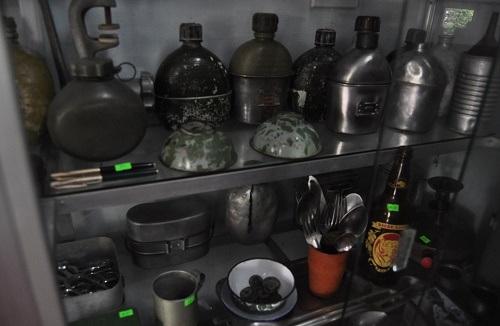 10 năm sưu tập kỷ vật thời chiến và giấc mơ mở quán cà phê lính