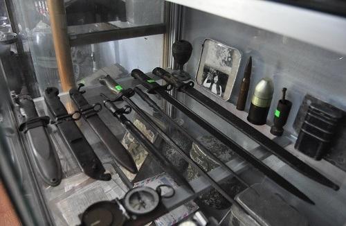 Những loại dao, kiếm của người lính được anh Điệp đi sưu tập khắp nơi