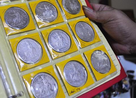 Tiền cổ làm theo dạng đồng xu