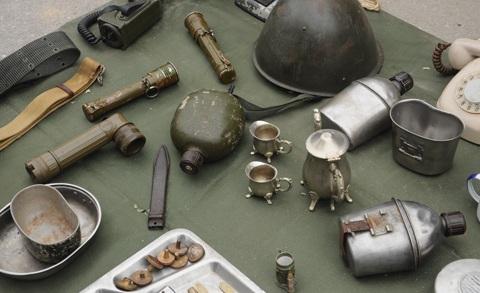 Đầu ngựa bằng đồng được người chủ quầy hàng tiết lộ có niên đại gần 1000 năm
