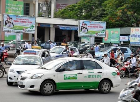 Các hãng Taxi đang rơi vào tình trạng hết xe phục vụ khách hàng do nhu cầu đi lại tăng cao