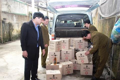 Đội QLTT số 1 chi cục quản lý thị trường Hà Tĩnh bắt giữ rượu lậu