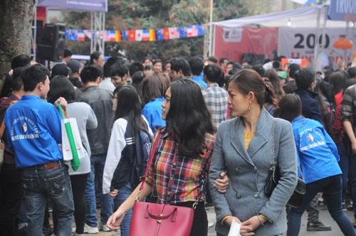 70 trường ĐH, CĐ mang đặc sản tới ngày hội tư vấn tuyển sinh tại Hà Nội
