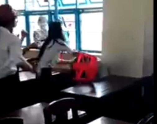 Hình ảnh ghi lại cảnh nữ sinh cấp 2 ở tình Trà Vinh bị đánh ngay trong lớp học