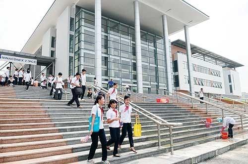 Nhiều phụ huynh mong muốn sẽ có cách thức tuyển sinh lớp 6 thống nhất giữa các trường