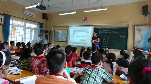 Sở GD&ĐT đang tiến hành kiểm tra thực trạng phổ cập giáo dục tiểu học tại Hà Nội