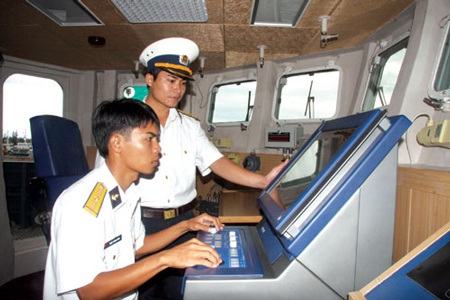 Sĩ quan trẻ trên chiến hạm Gepard 3.9 - 2