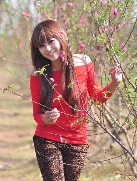 """Cùng Miss Teen """"đọ dáng"""" với hoa đào ngày cuối năm - 10"""