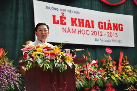 Chủ tịch Nguyễn Thế Thảo đã giao nhiệm vụ năm học mới cho thầy và trò ngôi trường này.