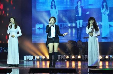 Tuxedo & Aodai, nhóm đại diện cho VN từng giành giải Nhì World Kpop Festival 2011.