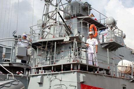 Quân chủng Hải quân tiếp nhận hai tàu pháo hiện đại