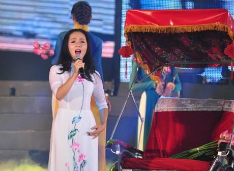 Phương Linh - cô thiếu nữ Hà Thành duyên dáng trong Nhớ về Hà Nội